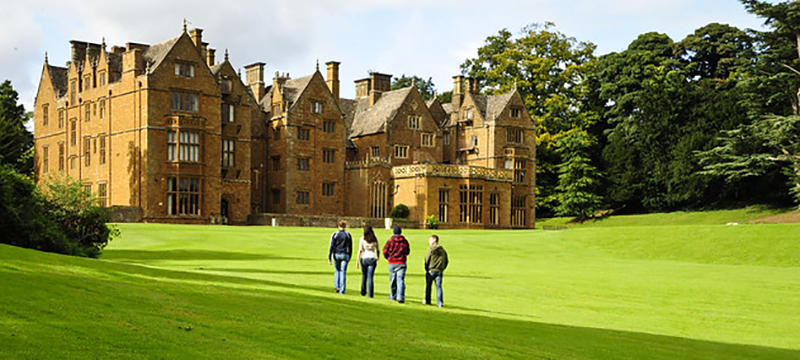 Wroxton Abbey and Snow
